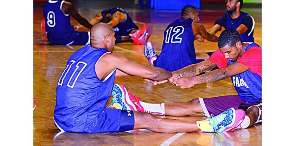 Quinteto de Panamá abre ante Uruguay en el torneo pre olímpico de baloncesto