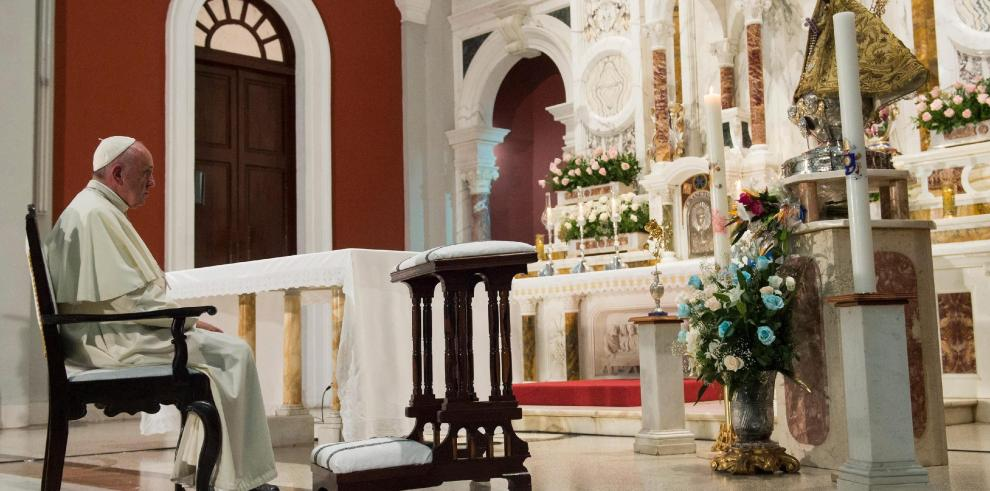 El papa se despide de la calidez de Cuba antes de partir a EEUU