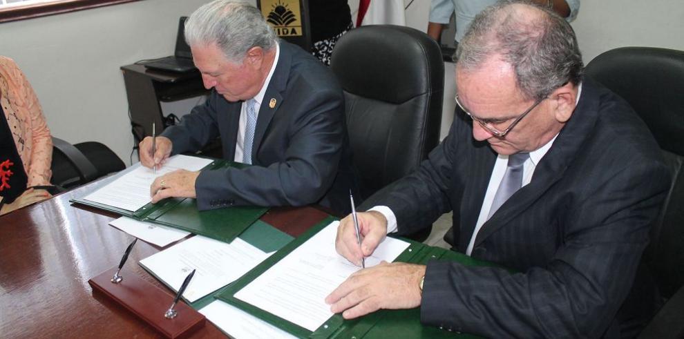Panamá y Cuba firman acuerdo agropecuario
