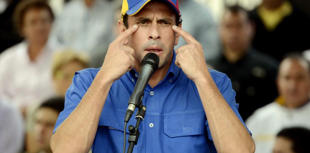 Capriles dice que saqueos son