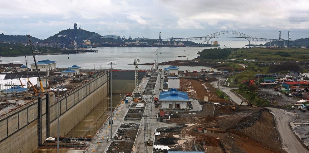 Protesta del Suntracs paraliza trabajos de ampliación del Canal