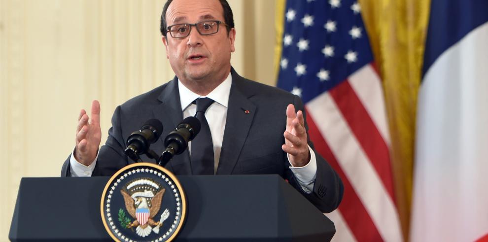 Hollande afirma que Francia no va a mandar tropas terrestres a Siria
