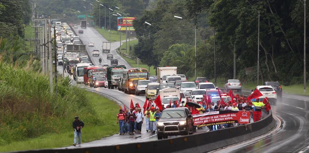 Suntracs realiza protestas en diversos puntos del país