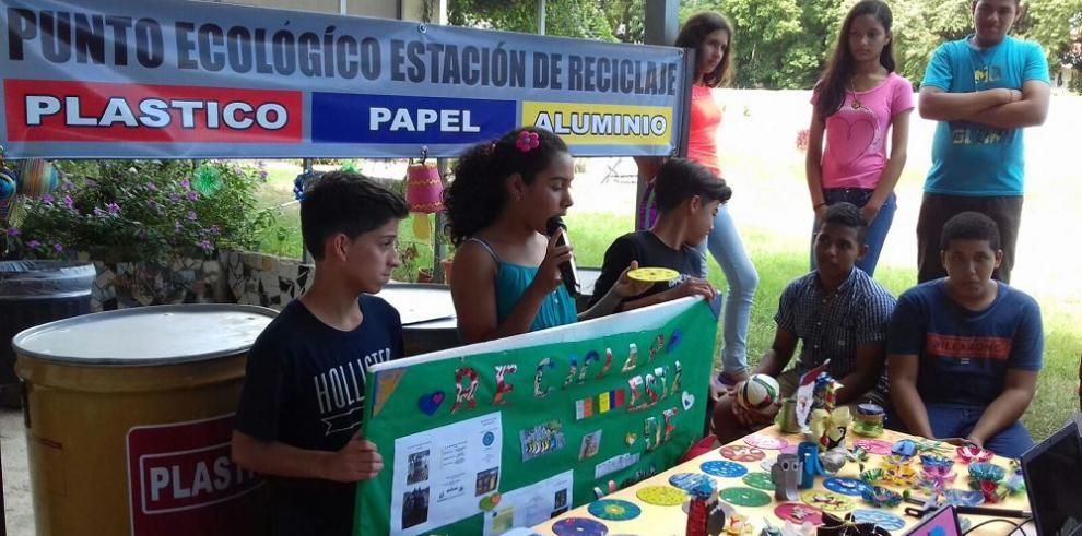 Feria de artesanías a partir del reciclaje