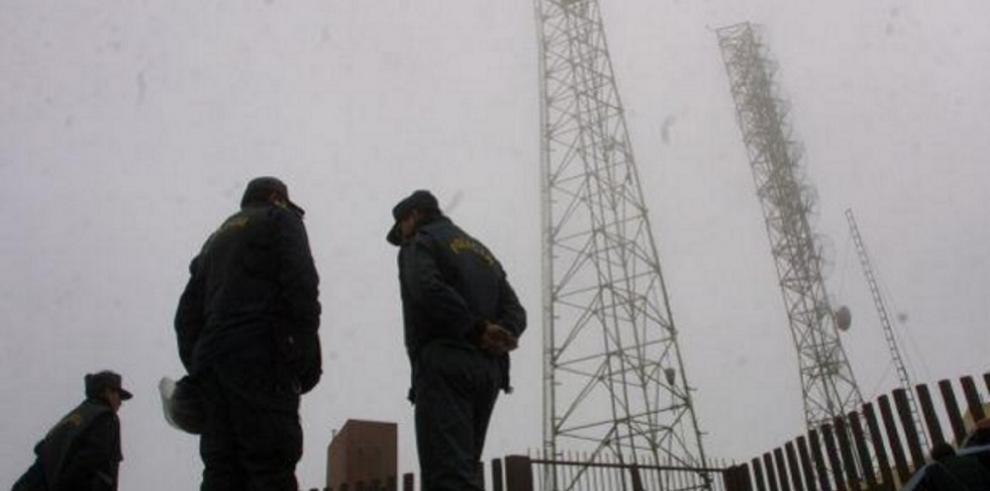 Presuntos guerrilleros derriban con explosivos antena de telefonía