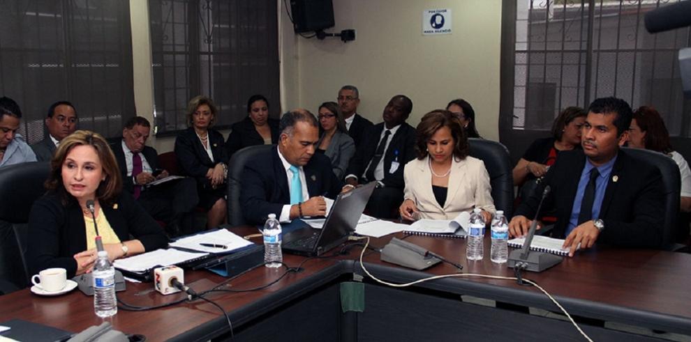 MEF recorta presupuesto del Ministerio Público para el 2016