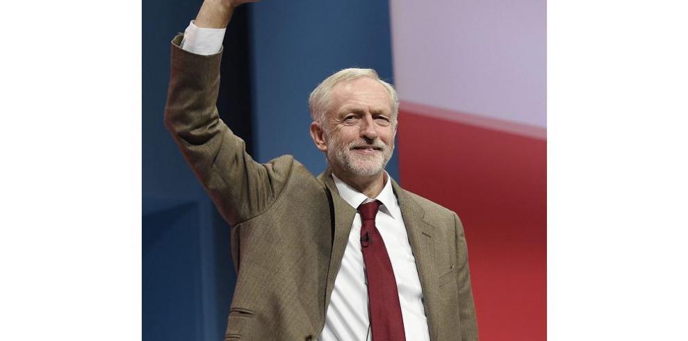 Corbyn defiende un programa para acabar con la austeridad