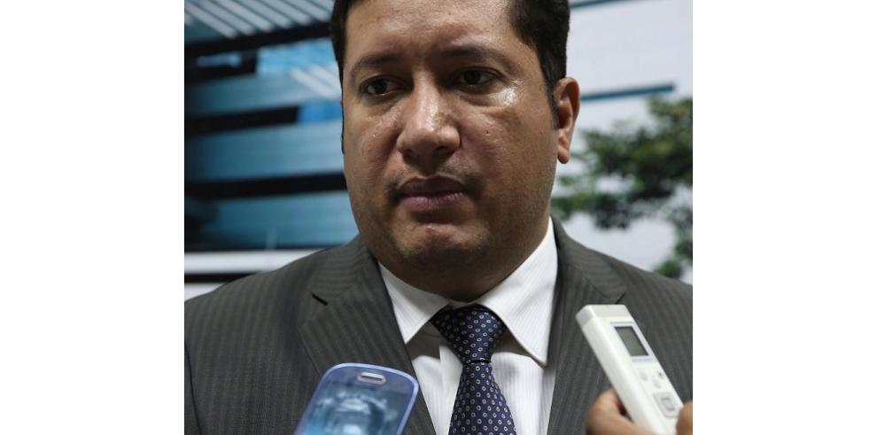 Error de declaración de diputado Arrocha provoca reacción de su colega