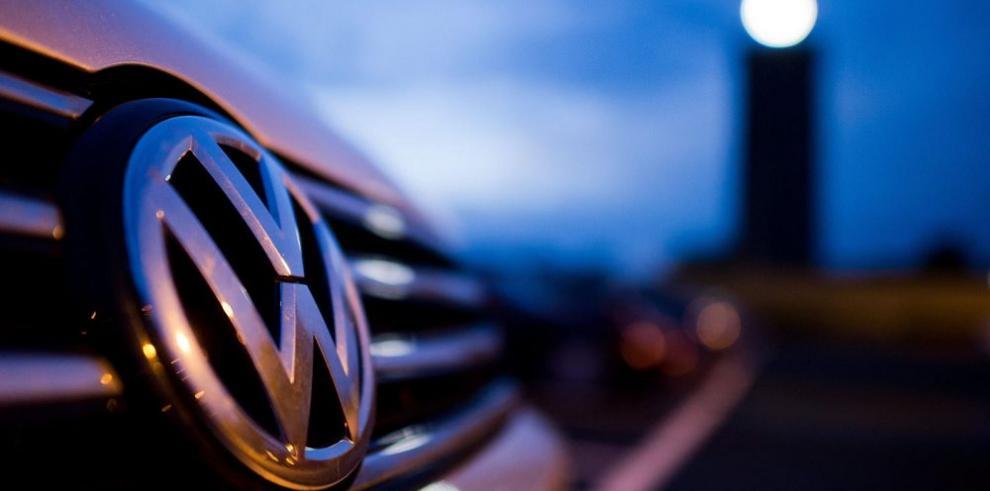 Volkswagen revisará millones de autos con motores trucados