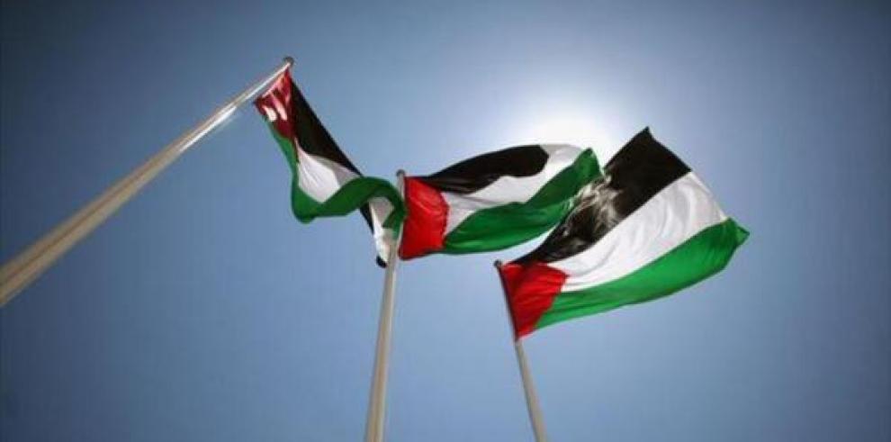 La bandera palestina es izada por primera vez en la sede de la ONU