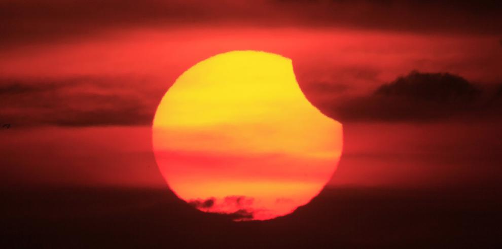 Eclipse lunar este sábado 4 de abril