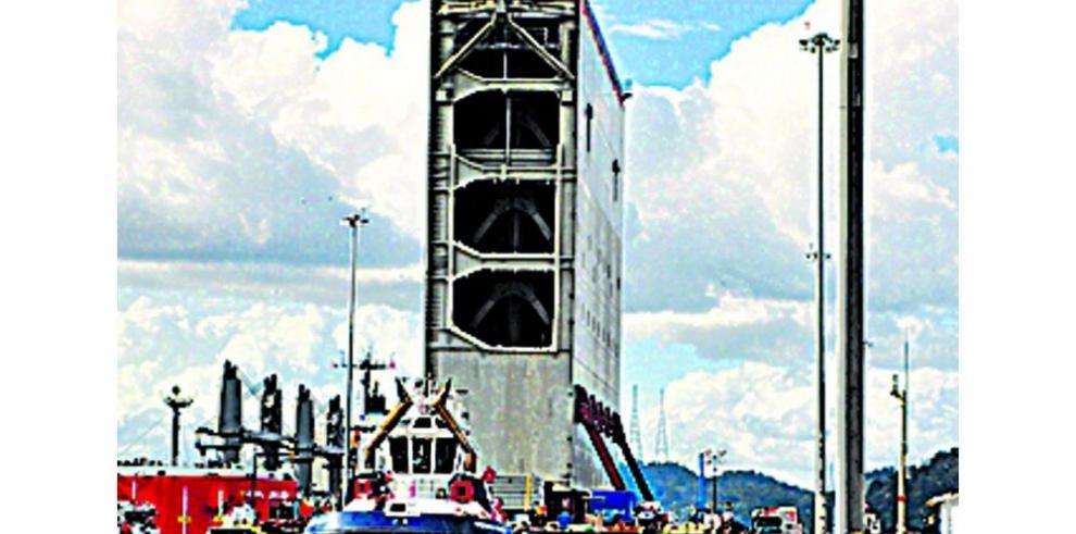 Cae carga y tránsito por el Canal de Panamá