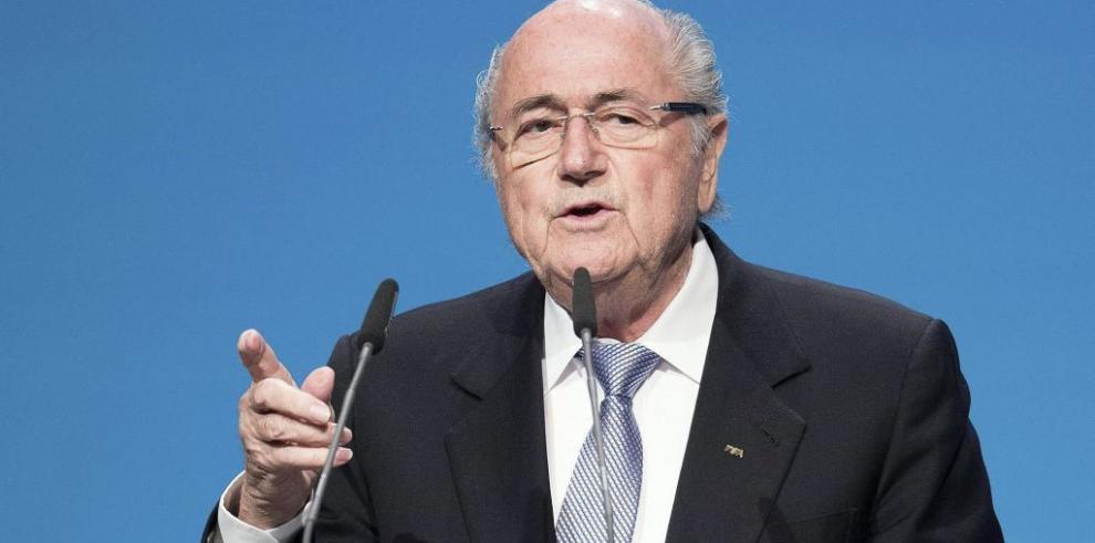Blatter rechaza un posible boicot a los Mundiales de Catar y Rusia