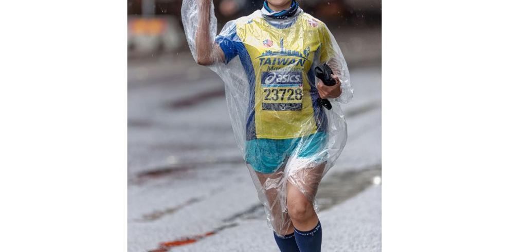 Corriendo bajo la lluvia, cuidado e indumentaria para hacerlo