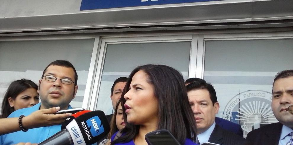 Edna Ramos presenta denuncia contra el ejercicio ilegal de juristas