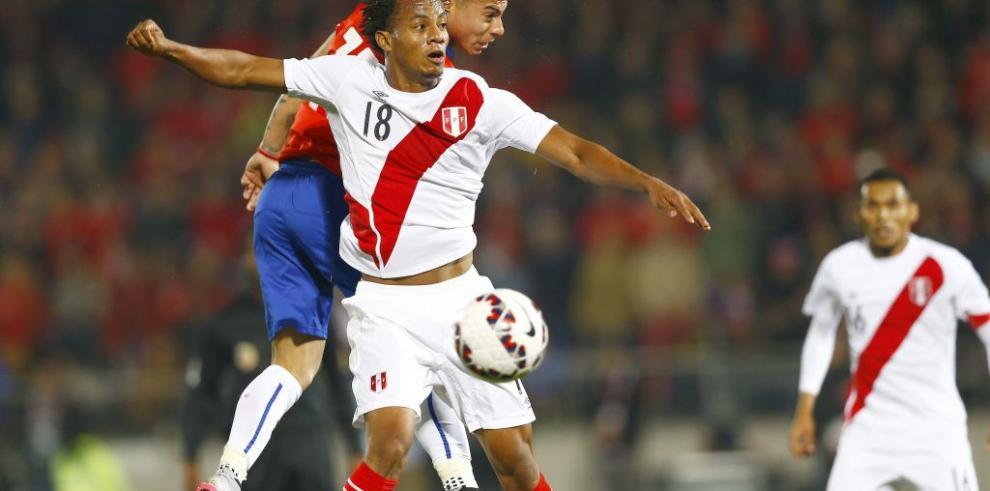 Chile tumba a Perú con doblete de Vargas y se clasifica a la final