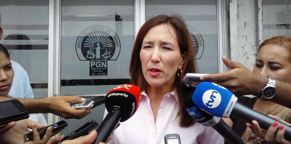 Ministra de Ambiente interpone denuncia contra Petaquilla Gold