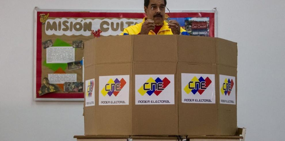 El chavismo define sus candidatos para las parlamentarias