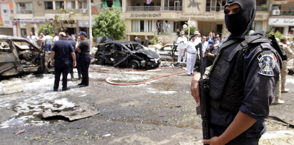 El fiscal general egipcio murió tras atentado con bomba