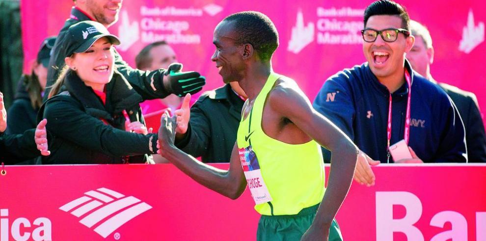 Kipchoge sale hoy en busca del récord mundial de 42K
