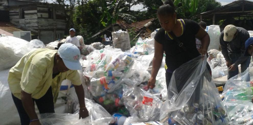 Pepenadores se unen para formar el Movimiento de Recicladores
