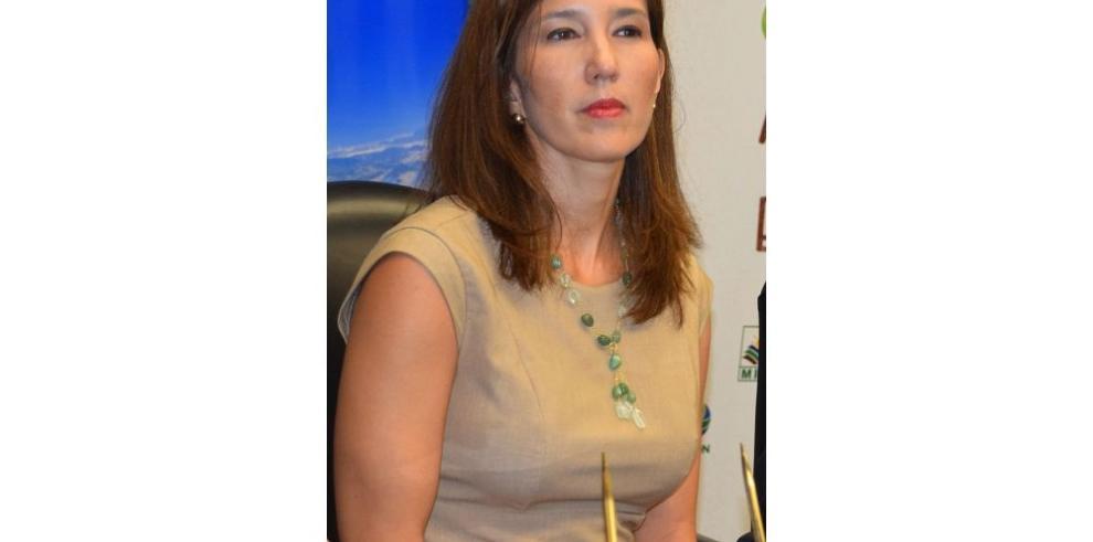 Presentarán denuncia contra ministra Endara