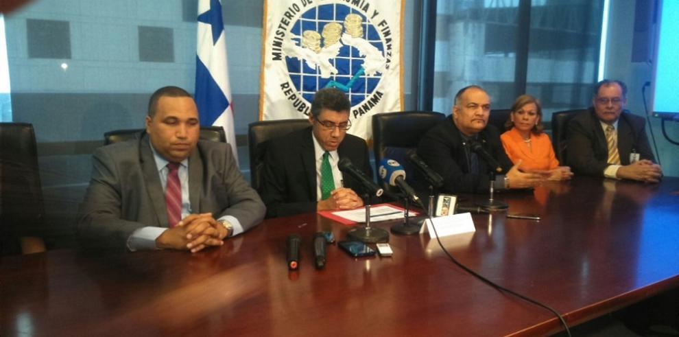 MEF presenta informe de recaudación tributaria de mayo 2015