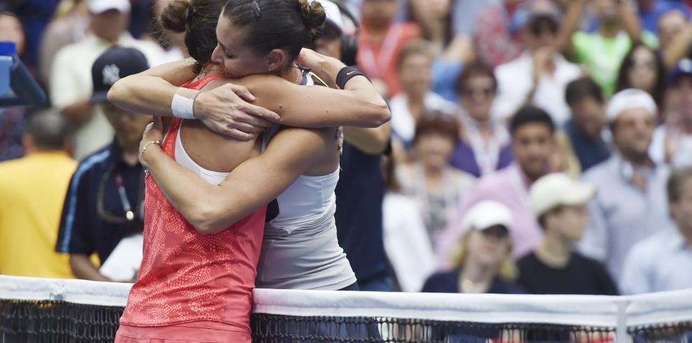 Pennetta gana en Nueva York y dice adiós en lo más alto del tenis