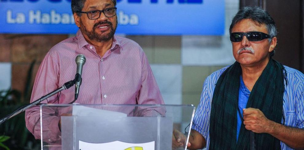Las FARC llama al diálogo entre Colombia y Venezuela