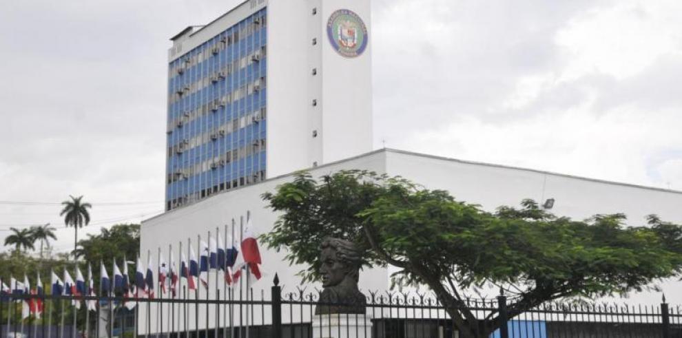 Diputados Panameñistas en sesión permanente