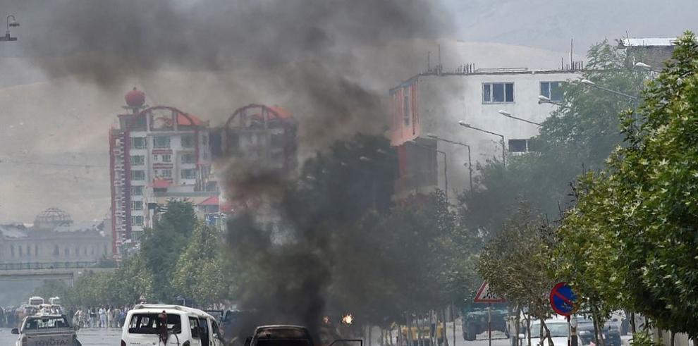 Mueren siete talibanes y dos civiles en asalto al Parlamento