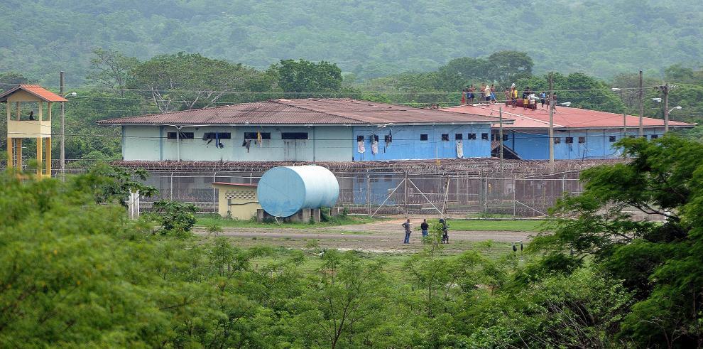 Deportan a búlgaro, suizo y brasileño detenidos en Panamá