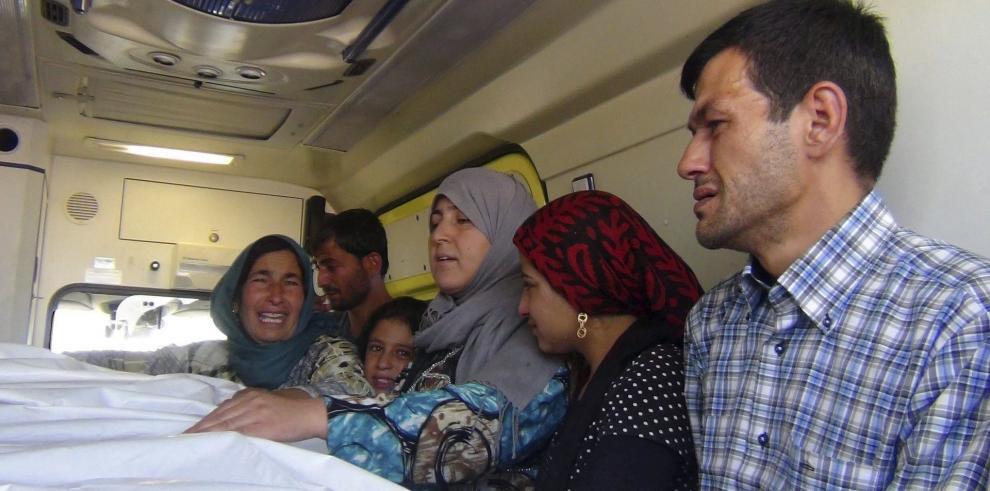 Padre del niño sirio ahogado vuelve a Kobane para enterrar a su familia