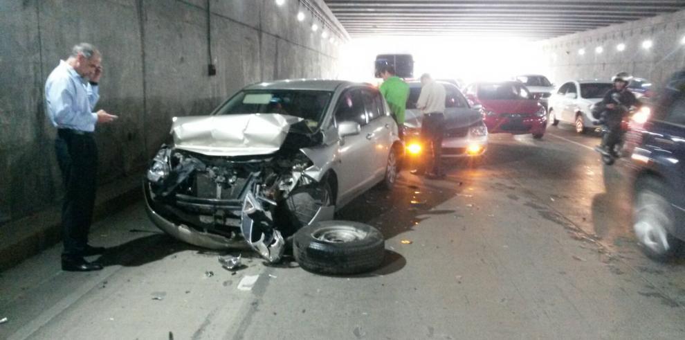 Accidente en el Corredor Sur deja dos heridos
