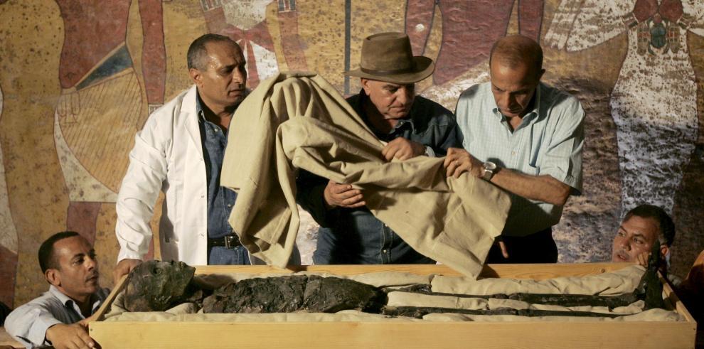 Encuentran ocho sarcófagos romanos en la ciudad libanesa de Biblos