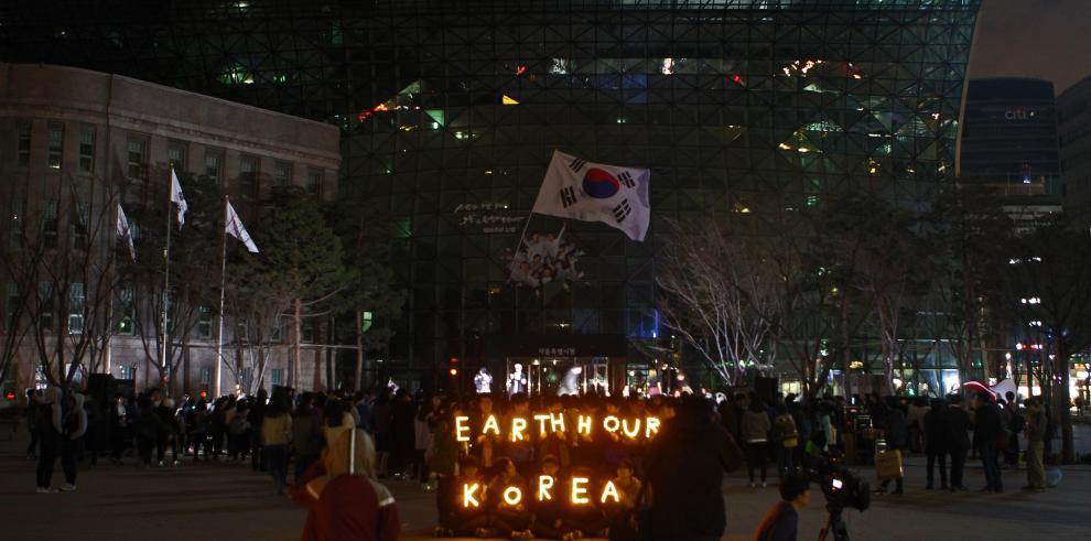 Diversas ciudades del mundo se unen a 'La Hora del Planeta'