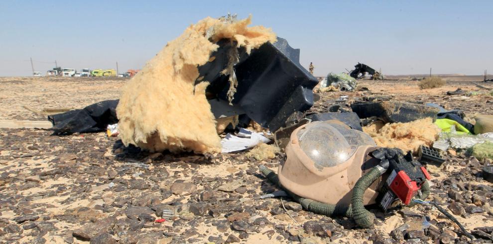 El avión ruso que cayó en Egipto se despedazó en el aire