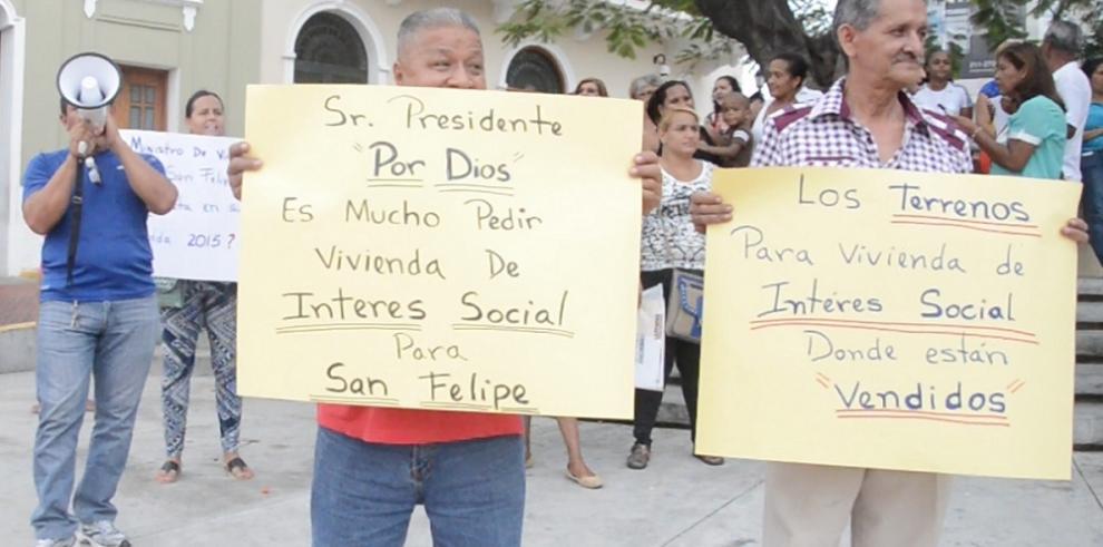 Moradores de San Felipe le piden al Gobierno viviendas