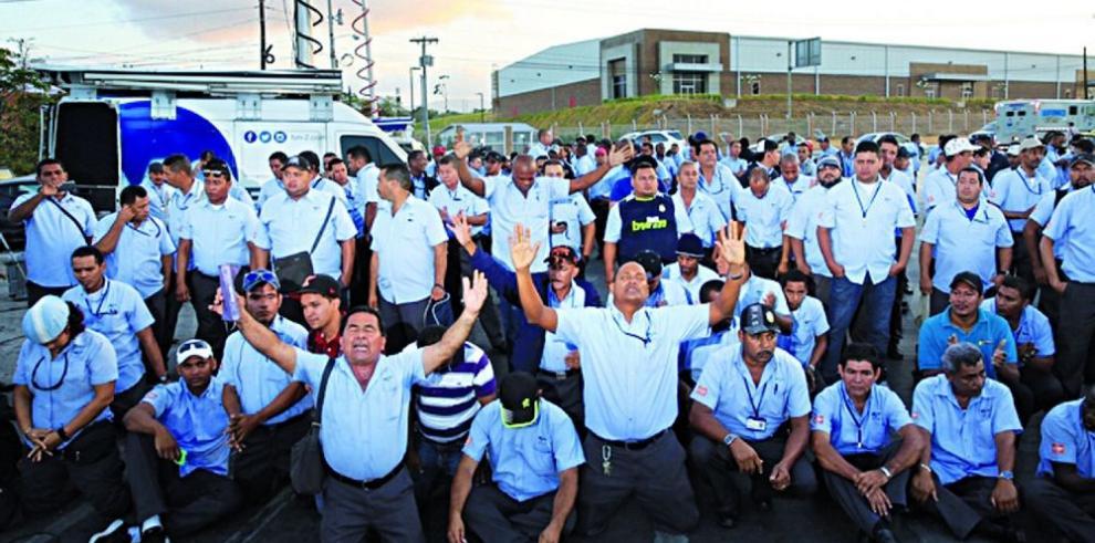 Operadores se comprometen a no hacer huelgas