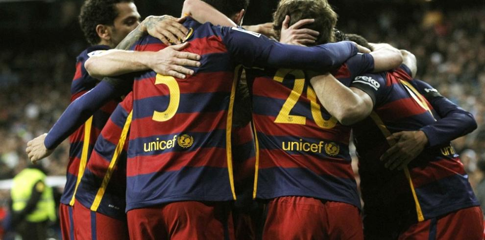 Barcelona golea al Real Madrid con doblete de Suárez y gol de Neymar