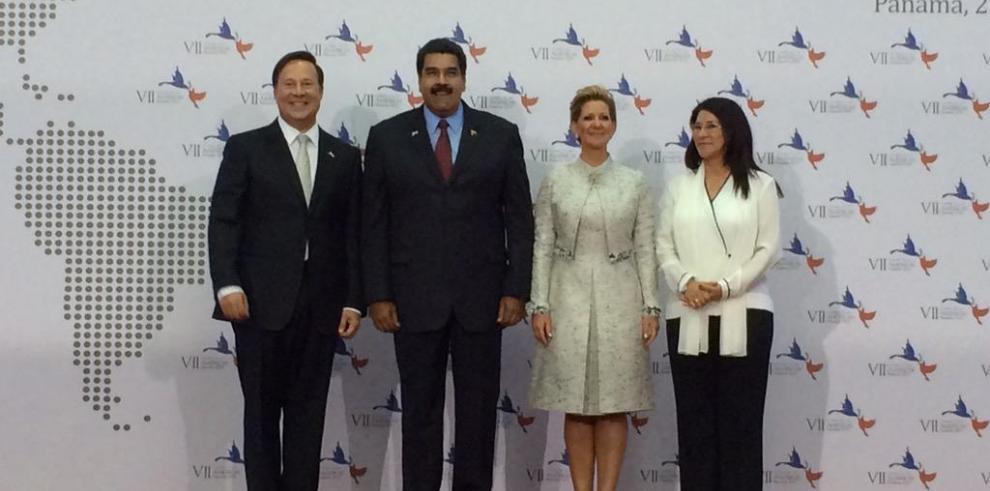 Presidentes llegan a la inauguración de la VII Cumbre de las Américas