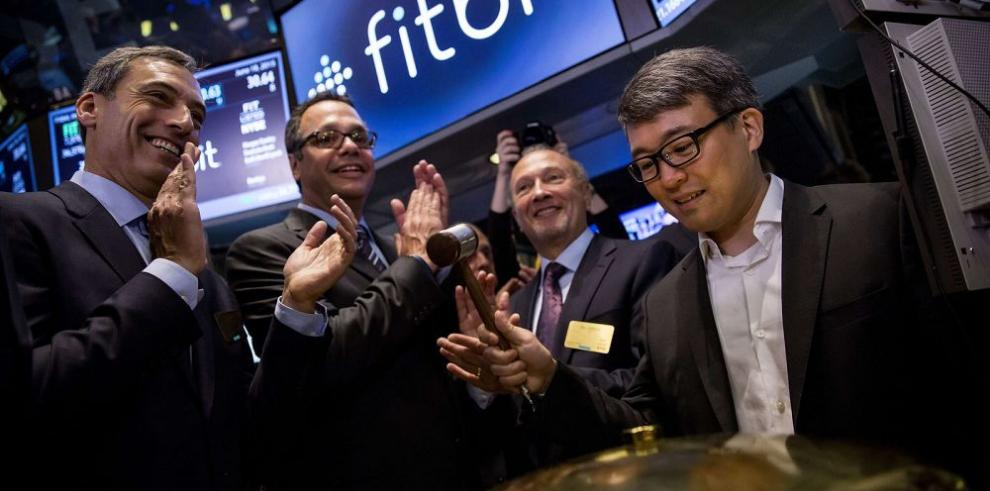 Fitbit hace ingreso triunfal a Wall Street
