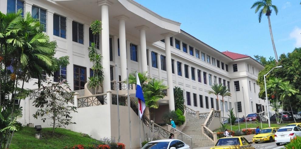 CSJ llama a Pleno extraordinario tras renuncia de Víctor Benavides