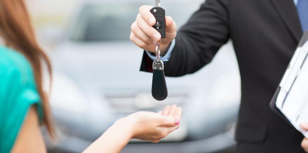 Venta de autos en EE.UU. se dispara gracias a las ofertas
