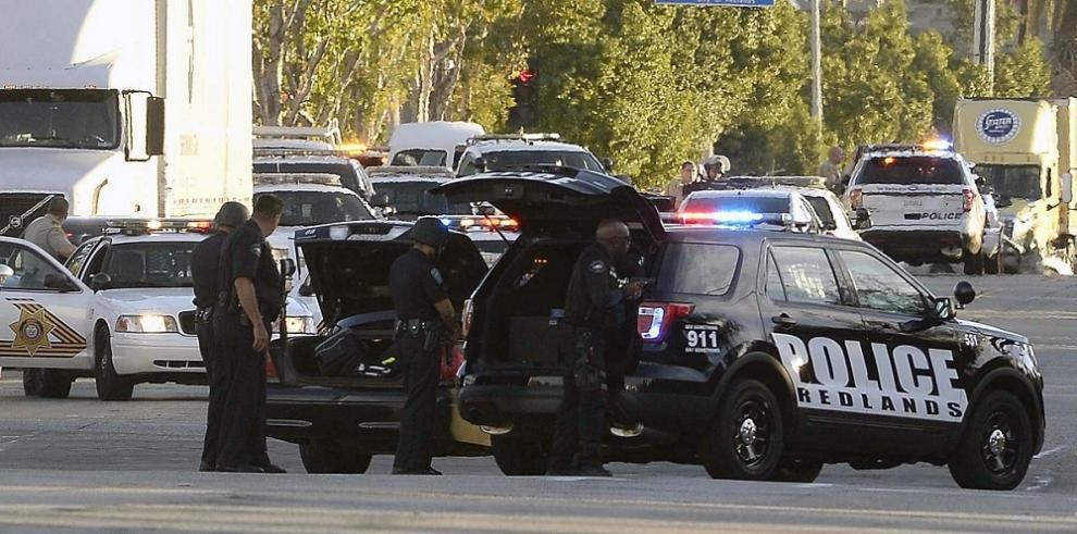 Dos de los sospechosos del tiroteo en EEUU están muertos