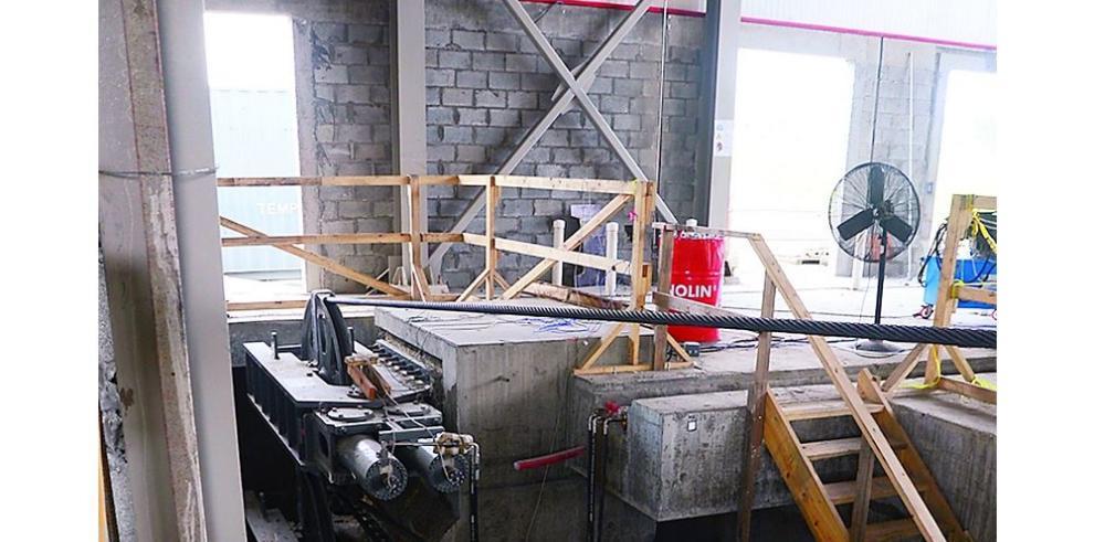 Avanza construcción de edificios de las esclusas