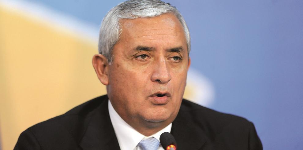 Presidente de Guatemala destituye a varios de sus ministros