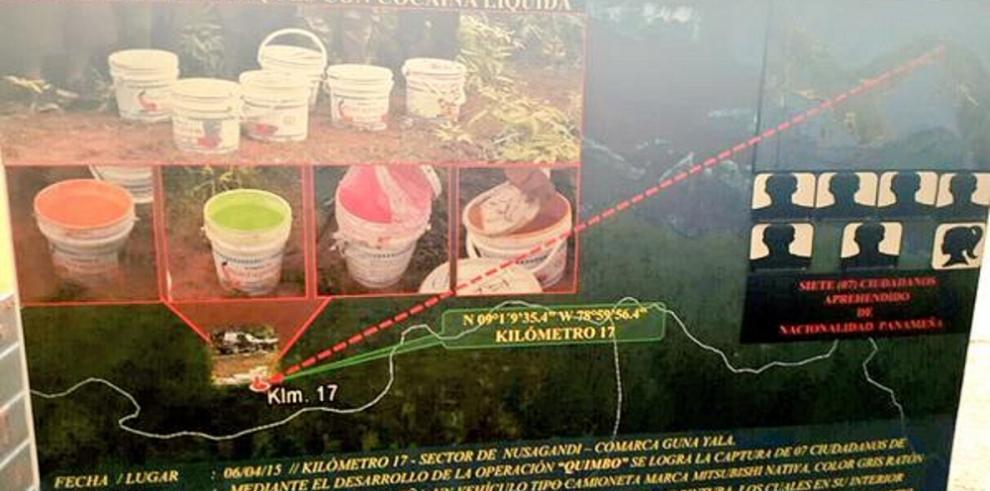 Detienen a un colombiano y 7 panameños con cocaína líquida