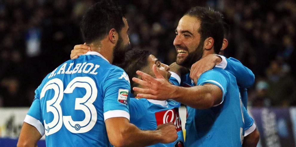 Un doblete de Higuaín al Inter le da al Nápoles el liderato