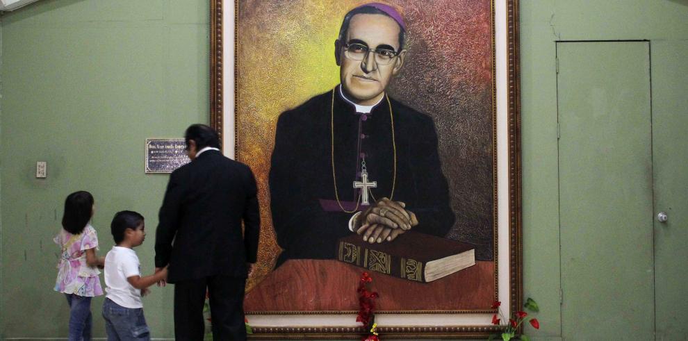 Varela viajará para beatificación del Monseñor Romero